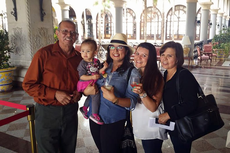 Our Daddy, baby niece Zara, Meeeee, my sister Lesly and our Mama <3